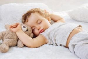 Cat este de important somnul pentru cresterea si dezvoltarea copilului meu ?