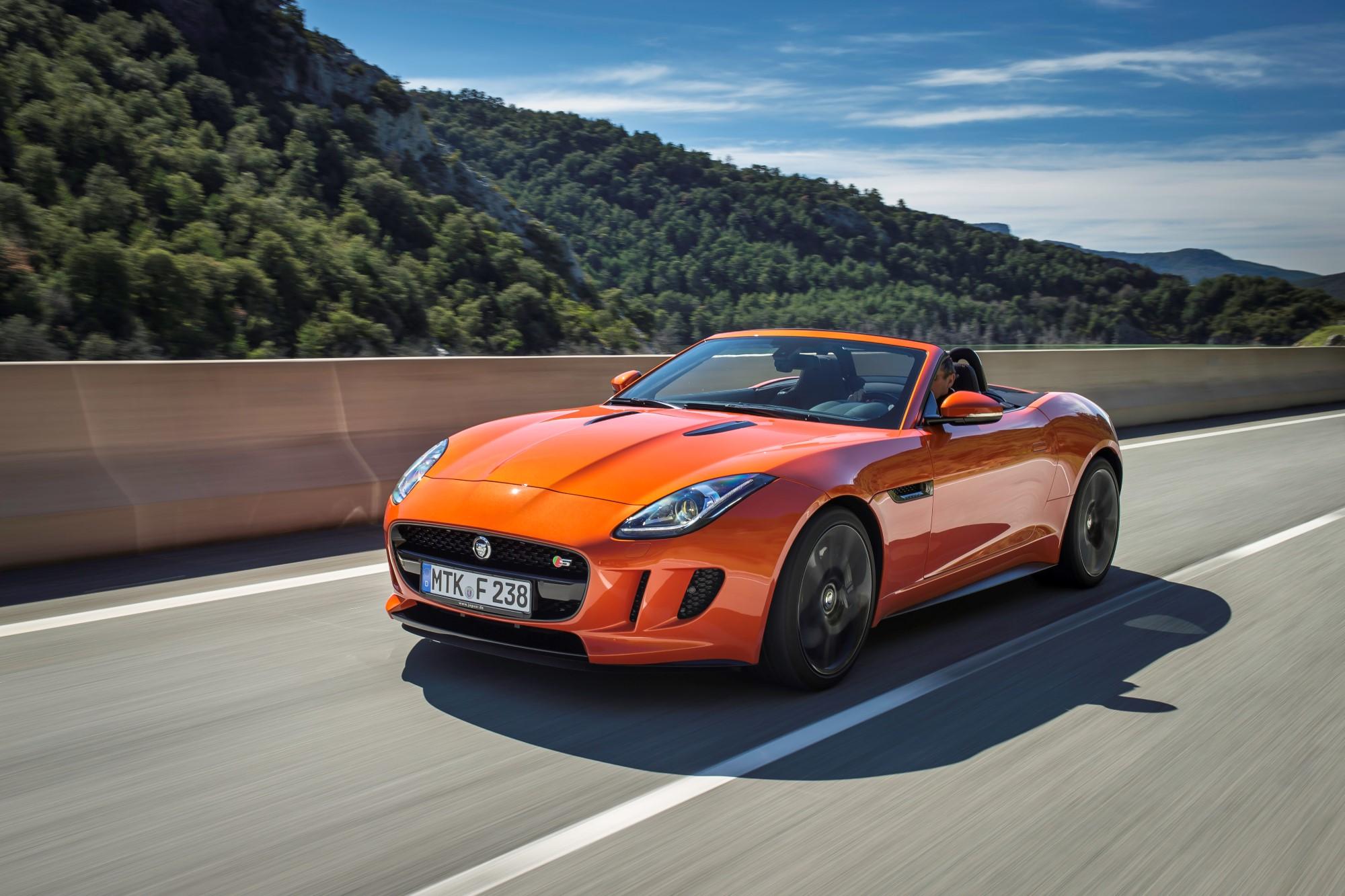 Cel mai bun design al anului 2013 si Jaguar F-Type