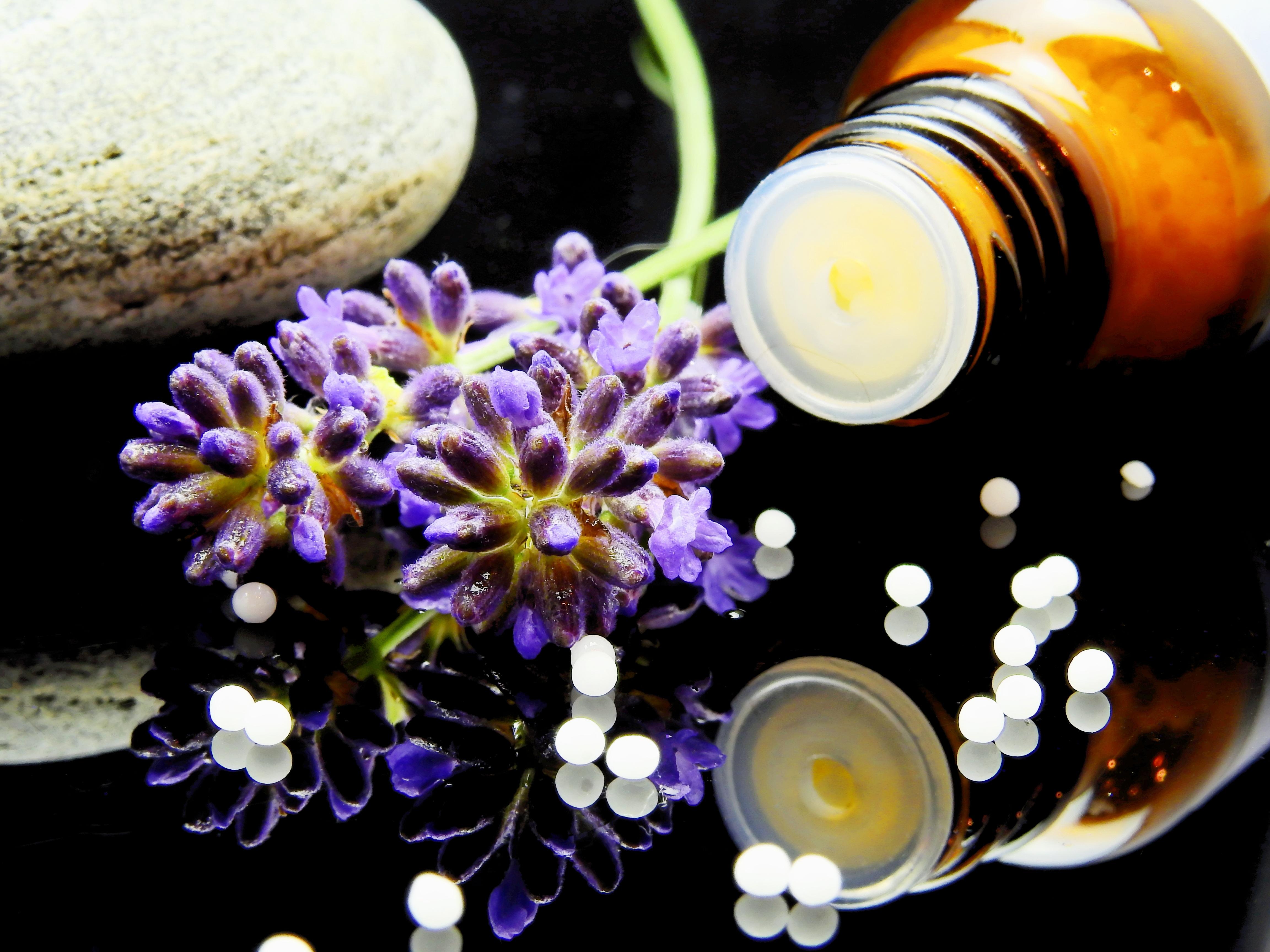 Produse cosmetice naturale: 4 motive ca sa le alegi!