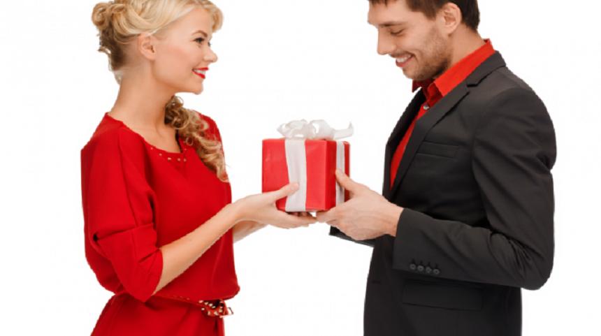 Dilema femeilor- cadourile pentru EL