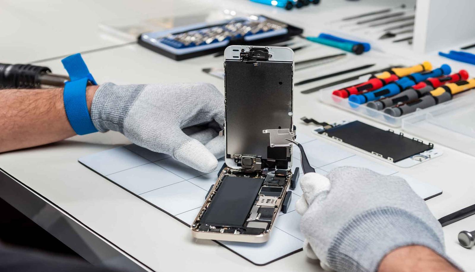 Ce motive poti sa ai ca sa iti duci iPhone-ul la service?