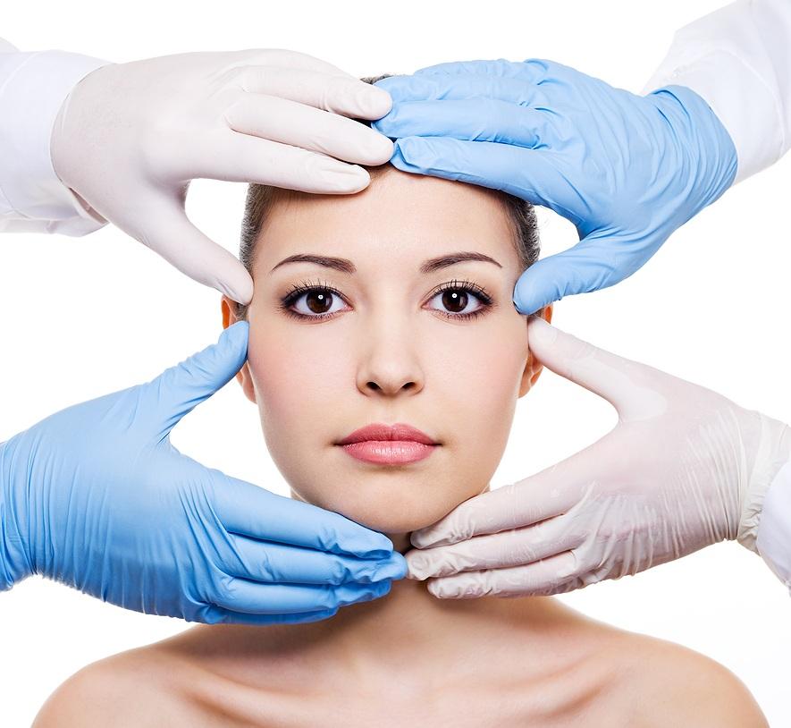 Care sunt avantajele chirurgiei plastice?
